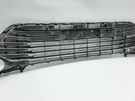 Camry 55 решетка бампера б/у оригинал за 60 000 тг. в Алматы – фото 4