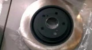 Передний тормозной диск на Toyota Highlander XU40 за 20 000 тг. в Алматы