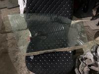 Стекло на дверь правый перед, на лексус-RX300 за 7 000 тг. в Алматы