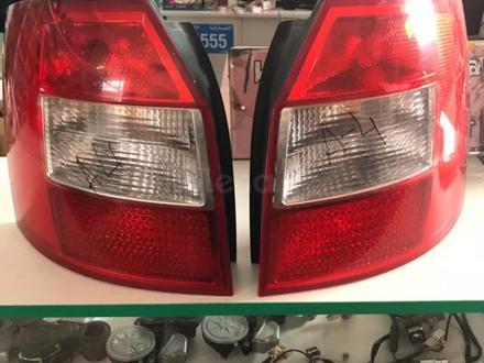 Фары задние Audi A4 (R L) за 30 000 тг. в Караганда