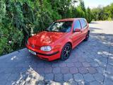 Volkswagen Golf 1999 года за 2 100 000 тг. в Тараз