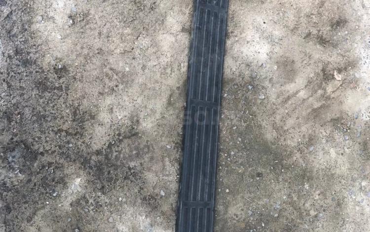 Накладка на задний бампер сурф 130 за 15 000 тг. в Алматы