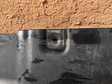 Накладка на решетку бампер акцент за 5 000 тг. в Шымкент – фото 4