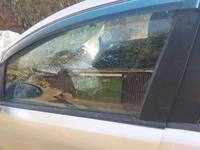 Дверные стекла и передний треугольник опель корса 2008г за 15 000 тг. в Актобе