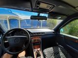 Mercedes-Benz E 200 1993 года за 1 650 000 тг. в Костанай – фото 2