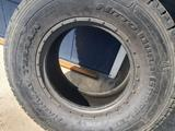 Резина 305/70 r 16 за 90 000 тг. в Рудный