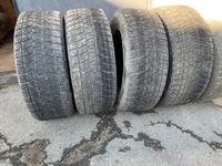 Зимние шины Bridgestone Blizzak за 40 000 тг. в Караганда