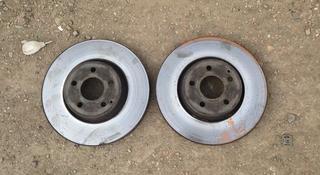 Тормозные диски 212 кузов e350 за 15 000 тг. в Нур-Султан (Астана)