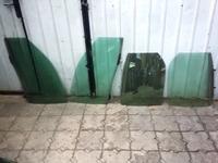 На LEXUS RX300 стекла дверные за 7 000 тг. в Алматы