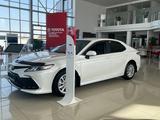 Toyota Camry 2021 года за 16 300 000 тг. в Актау