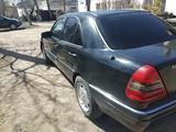 Mercedes-Benz C 180 1994 года за 1 300 000 тг. в Шахтинск