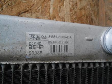 Радиатор охдаждения двигателя 3m51-8005-DA за 60 000 тг. в Алматы – фото 2