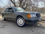 Mercedes-Benz E 260 1990 года за 1 600 000 тг. в Петропавловск