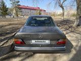 Mercedes-Benz E 260 1990 года за 1 600 000 тг. в Петропавловск – фото 2