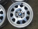 Оригинальные легкосплавные диски 34 стиль на BMW 3 (Германия R15 5 за 80 000 тг. в Нур-Султан (Астана) – фото 2