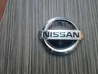 Эмблема Nissan на решетку радиатора под камеру за 16 000 тг. в Алматы