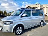 Volkswagen Multivan 2014 года за 20 500 000 тг. в Уральск – фото 2