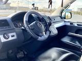 Volkswagen Multivan 2014 года за 20 500 000 тг. в Уральск – фото 5