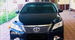 Toyota Camry 2014 года за 8 300 000 тг. в Шымкент – фото 2