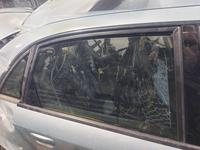 Правые дверные стекла ауди а4 Б6 об.2, 0 г.2000-2006 за 16 000 тг. в Актобе