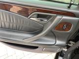 Mercedes-Benz E 320 2001 года за 3 900 000 тг. в Актау – фото 3