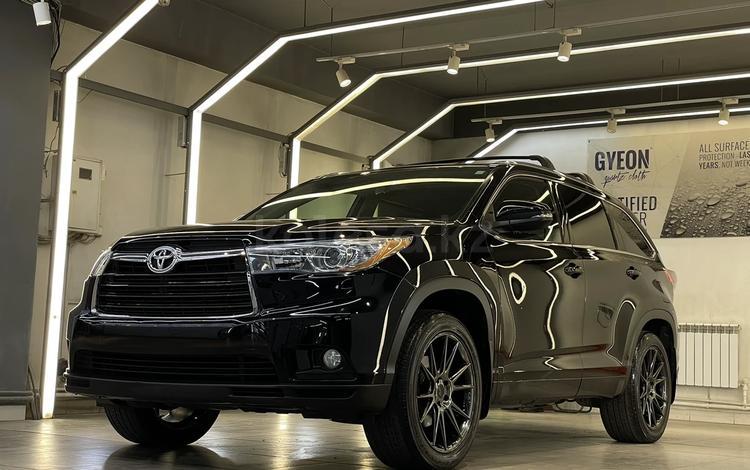 Toyota Highlander 2015 года за 17 300 000 тг. в Алматы