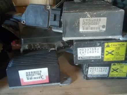Блок управления форсунок Mitsubishi Chariot Grandis (1997-2003) за 20 000 тг. в Алматы