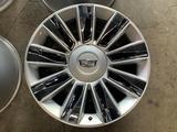 Escalade Cadillac R22 за 600 000 тг. в Шымкент