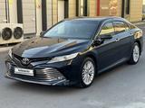 Toyota Camry 2018 года за 14 700 000 тг. в Алматы – фото 2
