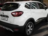Renault Kaptur Style TCE (4WD) 2020 года за 10 632 000 тг. в Караганда – фото 3
