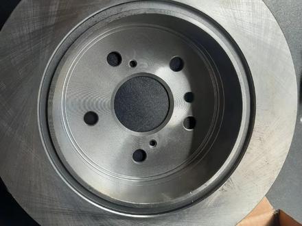 Тормозные диски и колодки за 7 000 тг. в Алматы – фото 2