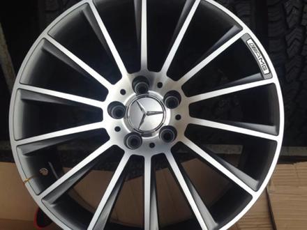 R18 Mercedes-Benz за 175 000 тг. в Алматы – фото 2