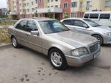 Mercedes-Benz C 180 1994 года за 1 650 000 тг. в Шымкент