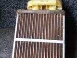 Радиатор печки мазда кседос 6 за 444 тг. в Костанай