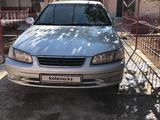 Toyota Camry 2001 года за 2 500 000 тг. в Туркестан