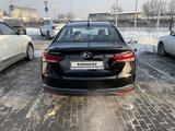 Hyundai Accent 2021 года за 8 200 000 тг. в Алматы – фото 2