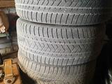 Резину Pirelli 275/40 R22С дисками Vossen за 250 000 тг. в Нур-Султан (Астана)