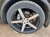 Резину Pirelli 275/40 R22С дисками Vossen за 250 000 тг. в Нур-Султан (Астана) – фото 4