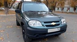 Chevrolet Niva 2010 года за 2 400 000 тг. в Уральск – фото 2