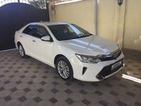 Toyota Camry 2015 года за 9 300 000 тг. в Шымкент