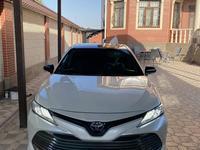 Toyota Camry 2018 года за 15 500 000 тг. в Шымкент