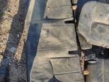 Сидение nissan pathfinder черная кожа не полный комплект за 20 000 тг. в Алматы