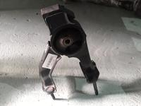 Подушка двигателя задняя Camry 30 за 100 тг. в Алматы