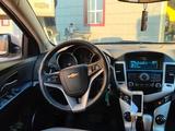 Chevrolet Cruze 2012 года за 3 000 000 тг. в Атырау – фото 2