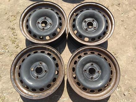 Железные диски на Ауди Б4 R15 (4*108 6J ЦО57.1 ЕТ37). Диски ровны за 20 000 тг. в Нур-Султан (Астана)