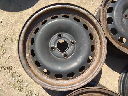 Железные диски на Ауди Б4 R15 (4*108 6J ЦО57.1 ЕТ37). Диски ровны за 20 000 тг. в Нур-Султан (Астана) – фото 4