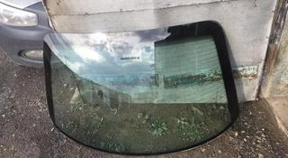 Заднее стекло опель омега б за 4 500 тг. в Караганда