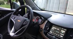 Chevrolet Tracker 2018 года за 6 900 000 тг. в Шымкент – фото 2