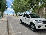 Toyota Hilux 2017 года за 15 300 000 тг. в Шымкент – фото 2