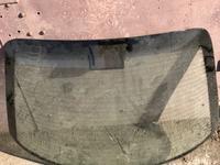 Задние стекло опельь омега б седан1994 год в Караганда